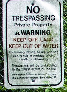 Extreme Close-Up of the Glenmoore Quarry Fence Sign